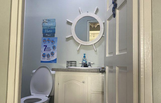 Flamboyant – Bathroom entrance_1
