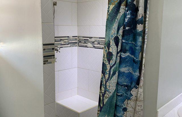 Bougainvillea – Bathroom shower