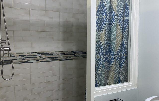 Flamboyant – Shower 1